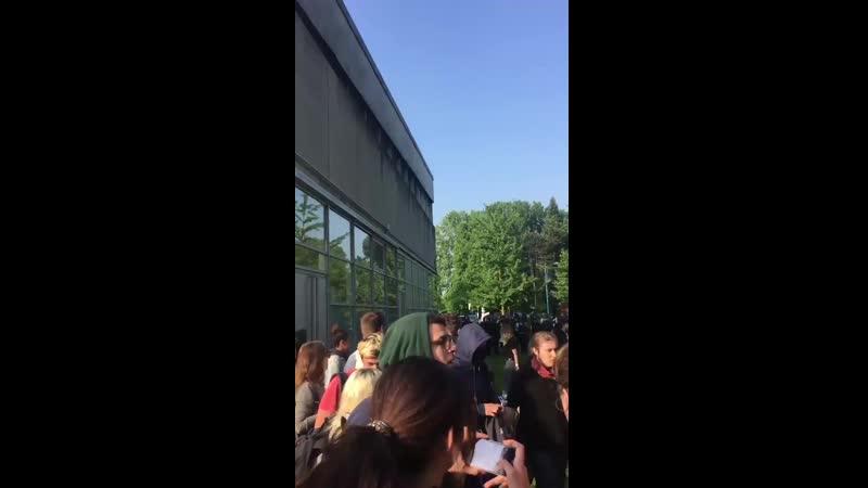 Des lycéens matraqués et gazés à Grenoble....mp4