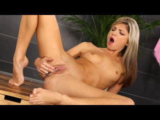 Gina Gerson [1080p, Porn, Teen, Tiny, Solo, Fingering, Feet, Pissing, Fetish] - WetAndPissy