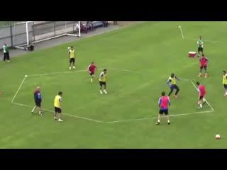 Футбольные упражнения на удержание мяча 2vs 2 + 3