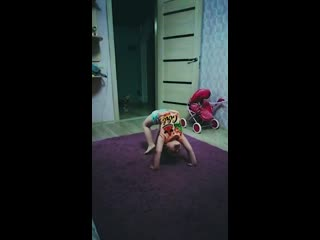 Занятия по видеоурокам от студии танца КИ-ВИ