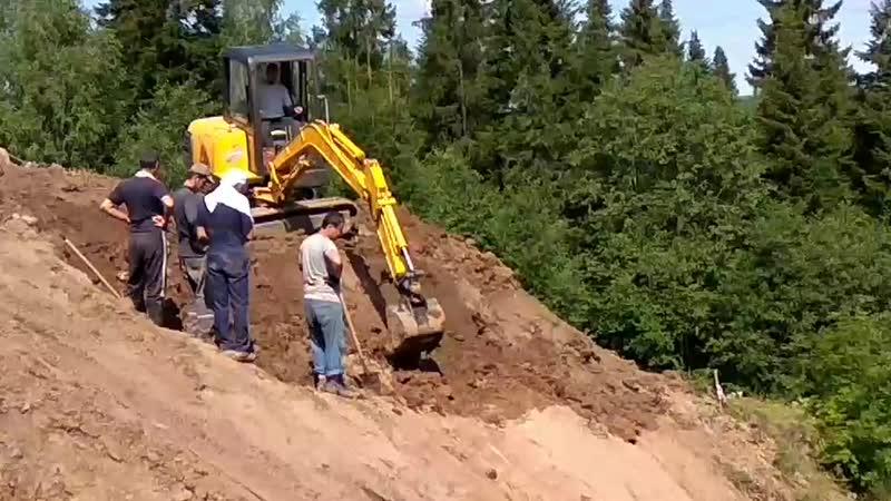 Копаем на склоне, июль 2019, вид снизу