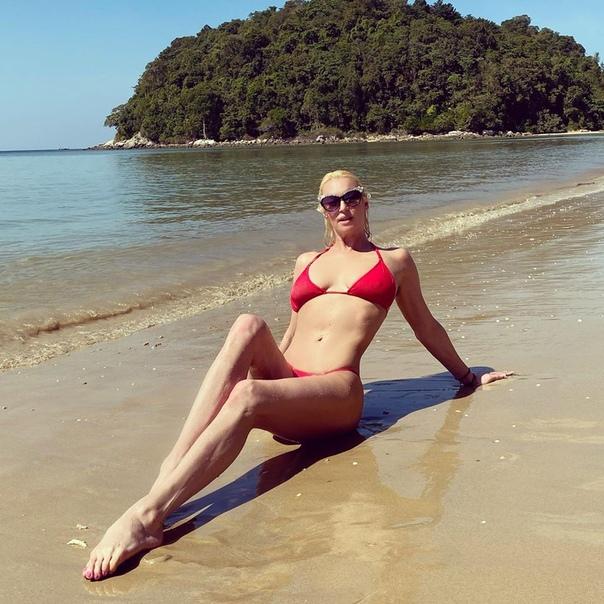 Анастасия Волочкова заявила, что в Тайланде на диете.