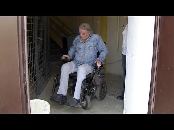 ВКостроме собственники многоквартирного дома недовольны появлением вих подъезде подъемника для инвалидов