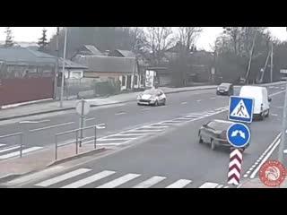 Опасный вальс на дороге. Благо обошлось без пострадавших!!!