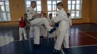 Перехват инициативы в поединке Кёкусинкай карате Клуб «Тэнгу Про» Самооборона и Подготовка бойца