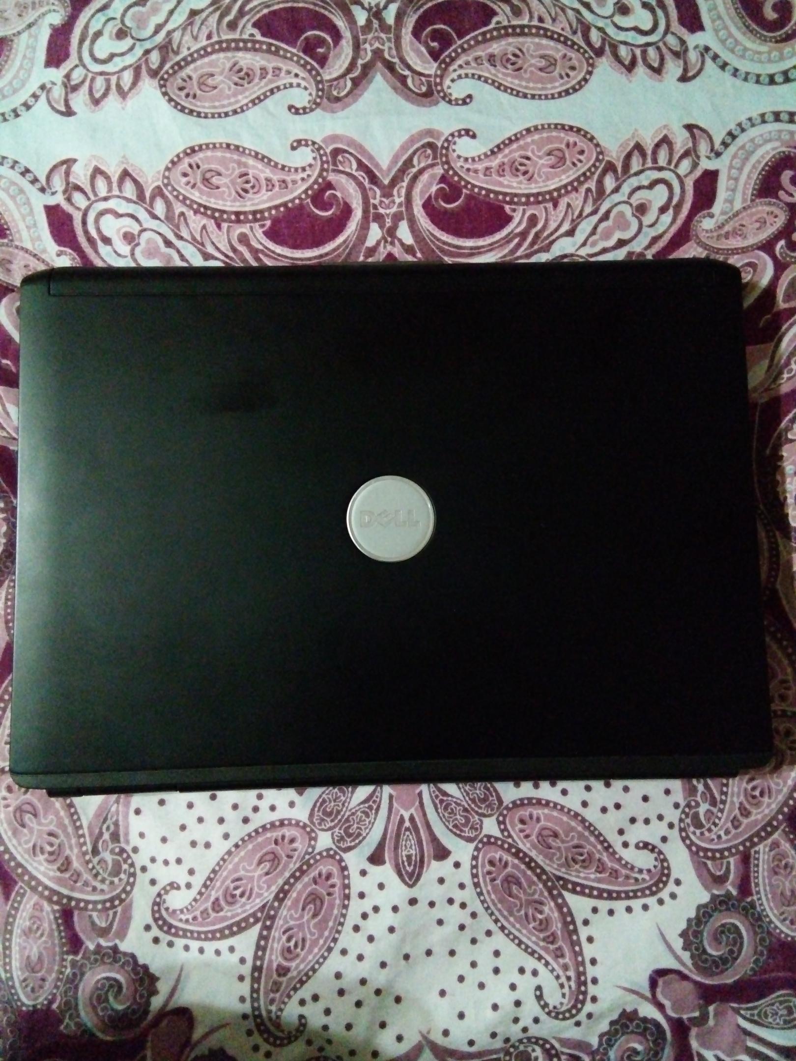 Предлагаю на разборку (или по Вашему усмотрению) ноутбук Dell vostro 1400.
