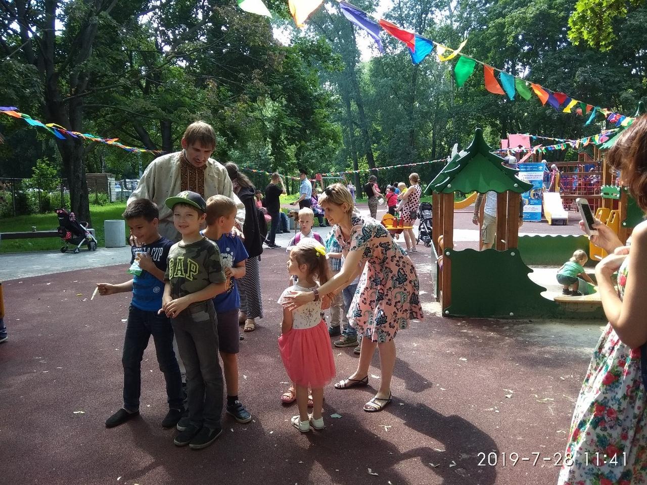 """""""Игры нашего двора"""" на фестивале в Новогиреево"""