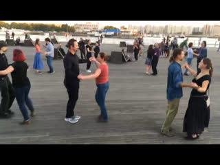 Танцы на набережной  Испанский вальс