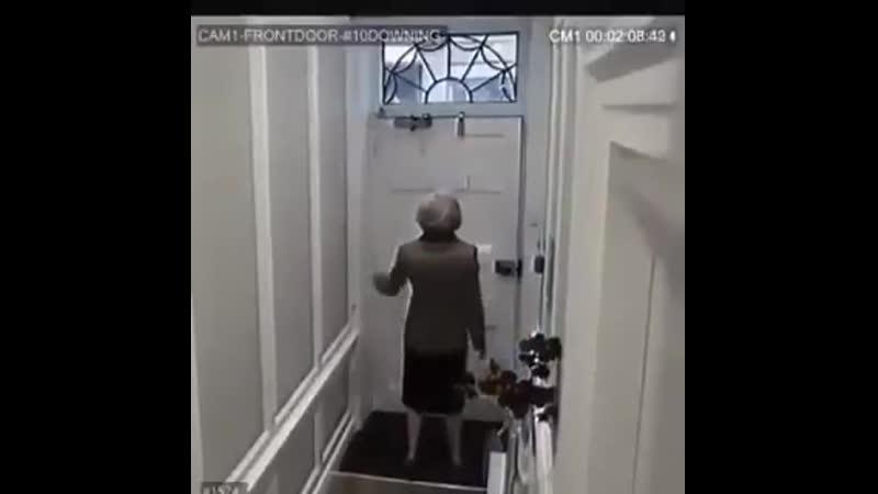 Тереза Мэй не знала, что Петров и Баширов установили скрытую камеру на Даунинг-стрит 10.