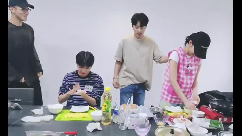 Bm and jseph cheer dongpyo