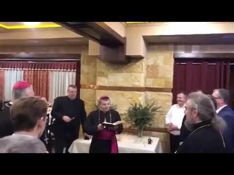 Симеон сослужит католическому бискупу