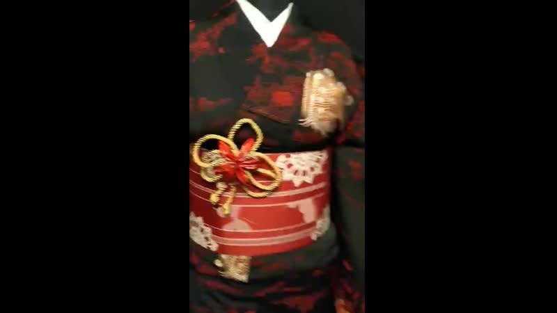 Видео обзор Комон Черный с кроваво красным Винтаж Авасе Цумуги