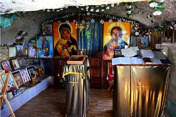Мангуп Кале - крупнейший пещерный город Крыма, изображение №11