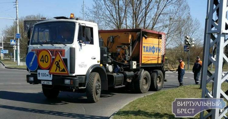 В Бресте начался ямочный ремонт дорог