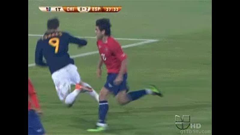 Torres fakes foul