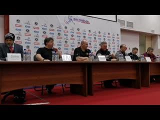 """Пресс-конференция с игроками хоккейной команды """"Российская пресса"""""""