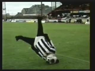 Забавные футбольные моменты из 90-х