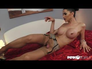 Raphaella Ferrari - The blackmail of Raphaella Ferrari