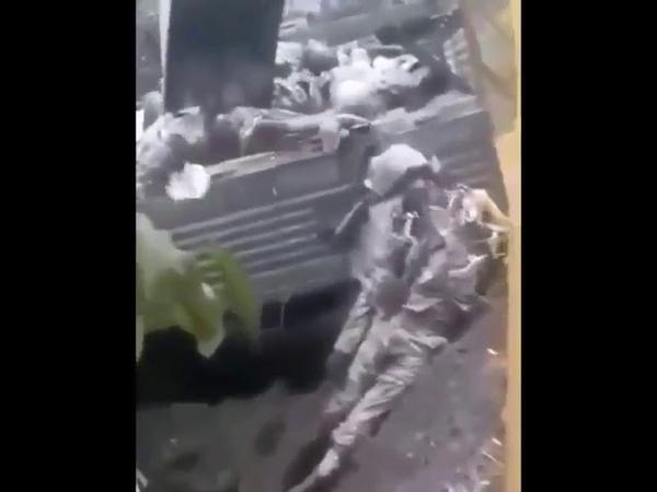 КАРАБАХ Армяне скидывают тела Азербайджанских солдат в яму Почему власти Азер на не забирают тела