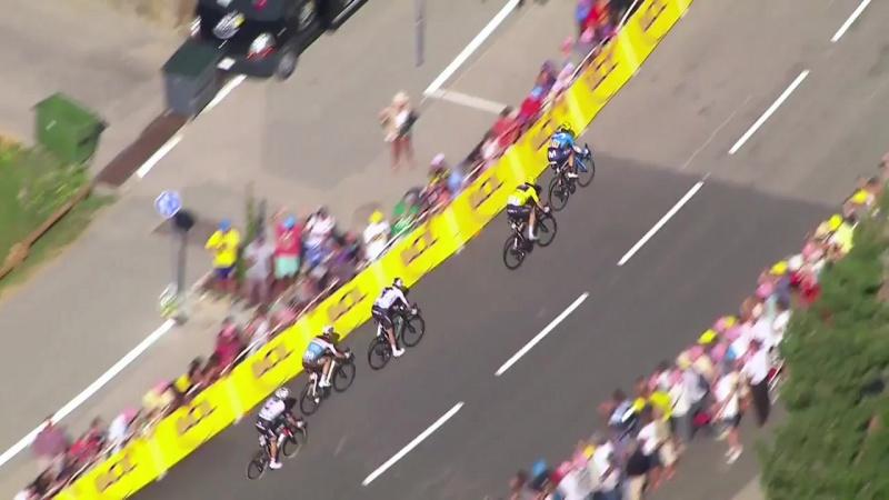 Томас выиграл второй горный этап подряд и сохранил желтую майку
