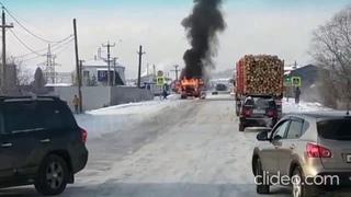 В Усть-Куте загорелся бензовоз