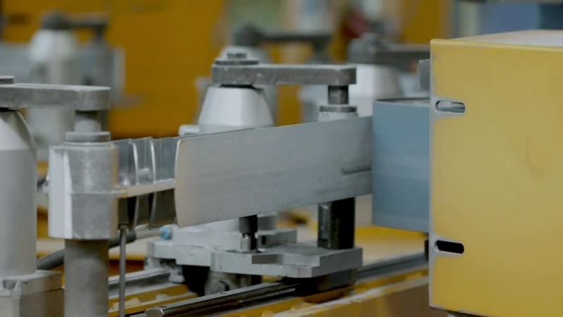 Роботизированная обработка секций и сборка радиаторов