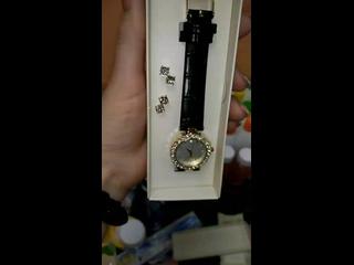 Часы и серьги. Код 40985