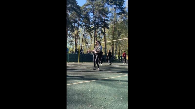 Танцы и волейбол