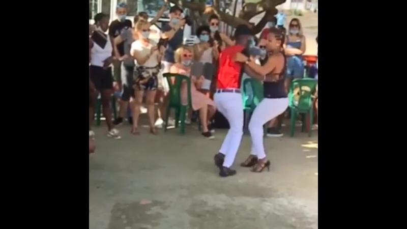 Yeni y Alejandro. Bachata tradicional. Republica Dominicana