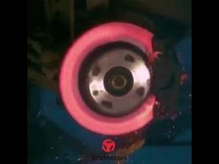 Как взрывается  тормозной диск
