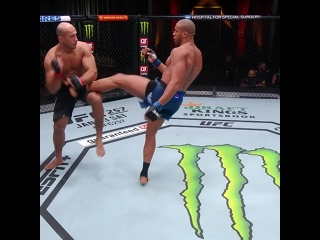 Вспоминаем бой: Сирил Ган vs Джуниор Дос Сантос