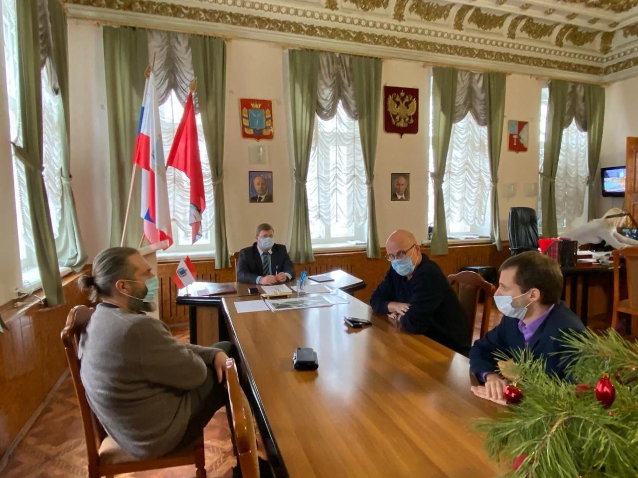 В администрации Петровского района обсудили реализацию проектов двух резидентов ТОСЭР