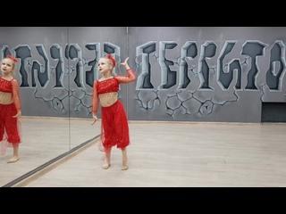 """Ансамбль эстрадно-акробатического танца """"Ритмик"""". Марина Олехова. Номер: Восточные Сказки."""