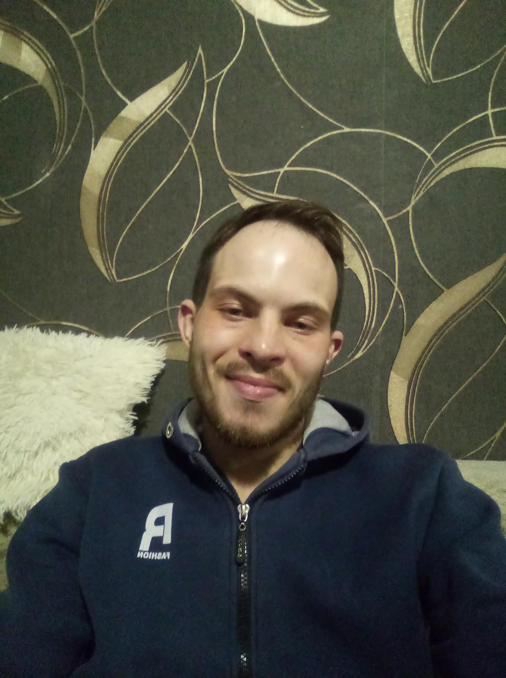 Павел, 25, Izhmorskiy