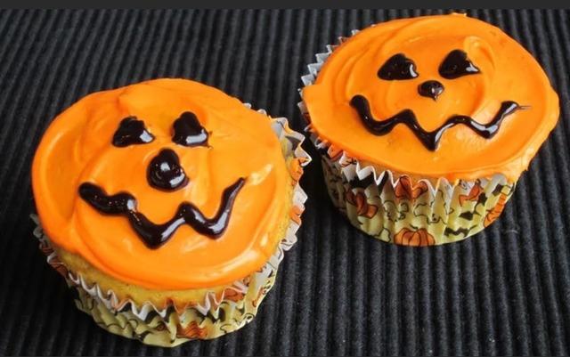 Кошмарное меню на Хэллоуин или Кухня ведьмы - рецепты праздничной выпечки