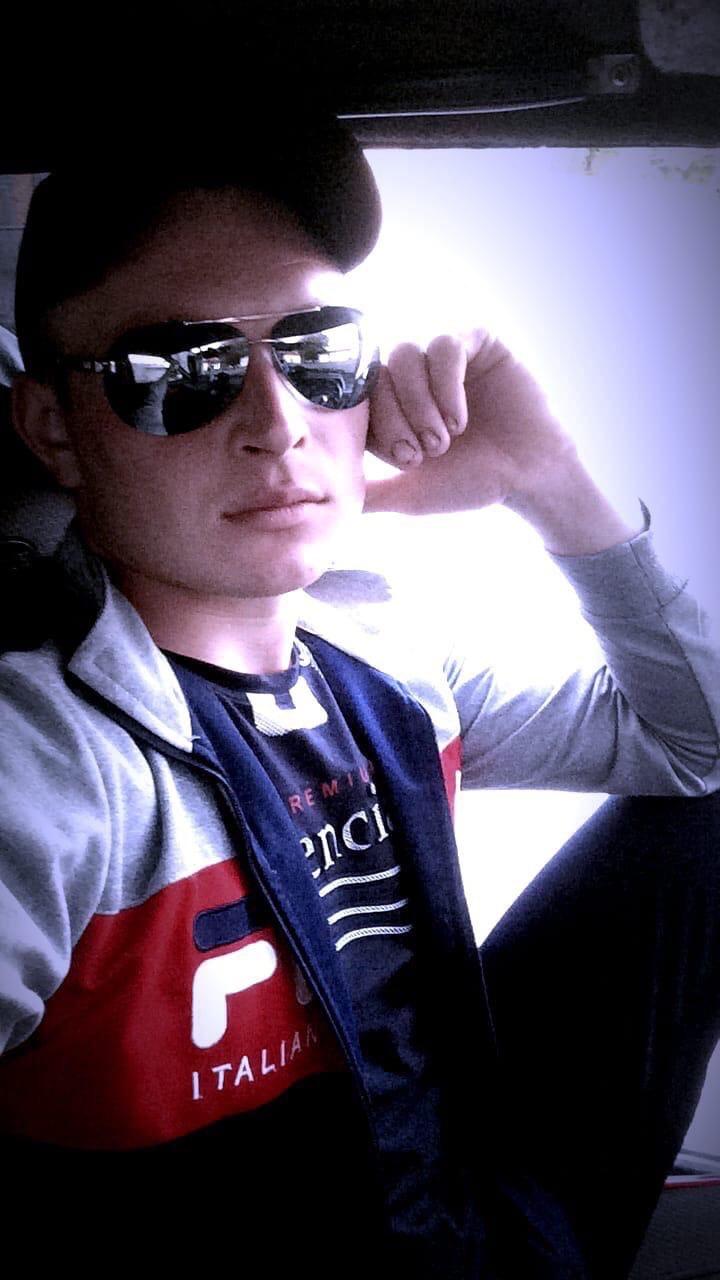Лёшка, 24, Azov