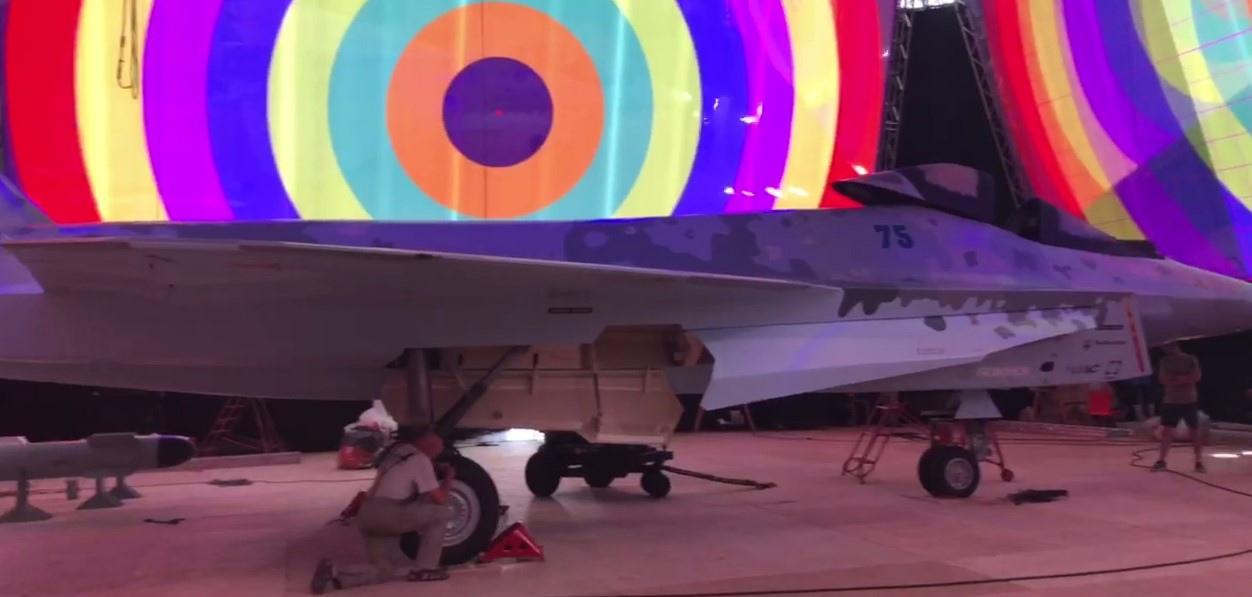 روسيا ستكشف عن مقاتلة جيل خامس خفيفة مشابهة ل اف35 في معرض ماكس  HJZMT5w4wos
