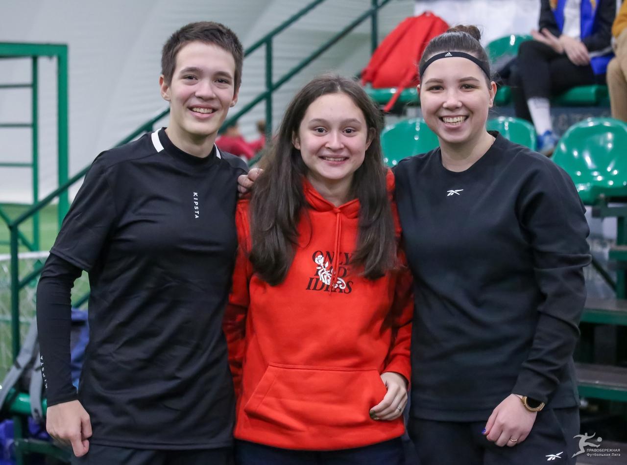 Веселина Букина, Лола Ахмедова (Марвел) и Татьяна Исакова (База)