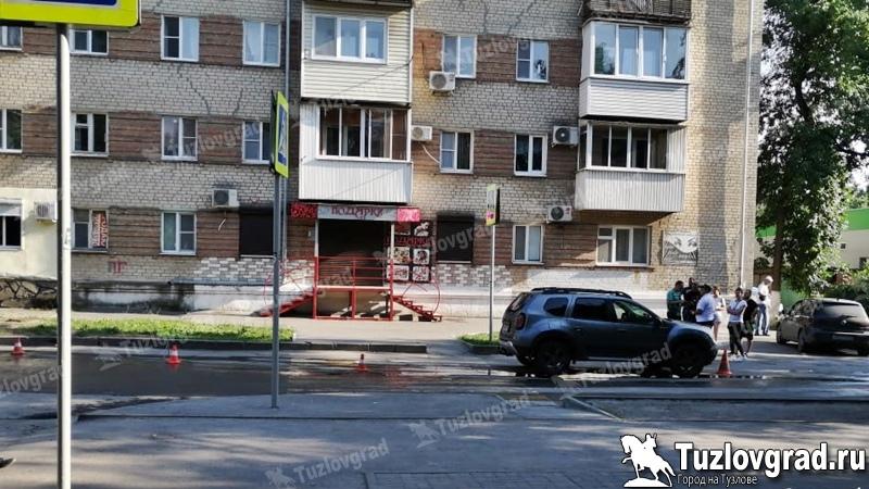 В Новочеркасске девушка с маленьким ребенком попала под машину