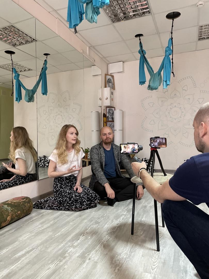 Мария Павлуцкая -  хозяйка пространства, автор идеи и проекта сети йога-студий KovrikClub