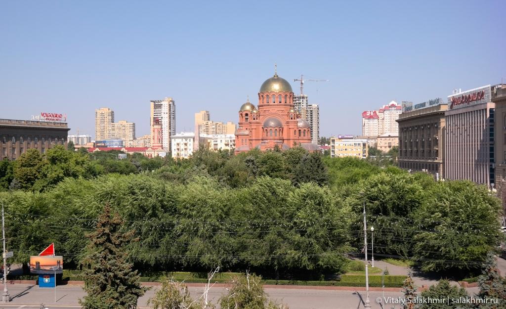 Вид из окна на Александро-Невский собор 2020