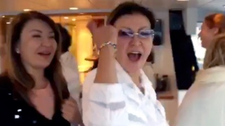 Дарига Назарбаева на яхте радуется жизни после отставки / БАСЕ
