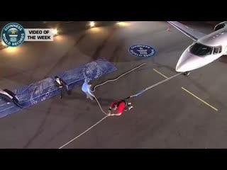 Жидрунас Савицкас, тяга самолёта на вечере рекордов книги Гиннеса в Италии
