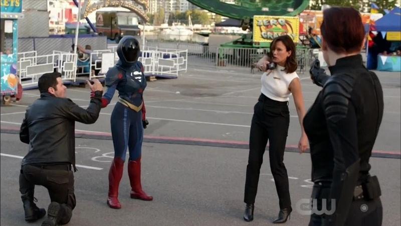 Supergirl 4x04 Supergirl Alex and J'onn vs Mercy and Otis
