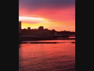 Сегодняшнее утро на побережье выдалось очень ярким. ждем не менее красочного заката вечером