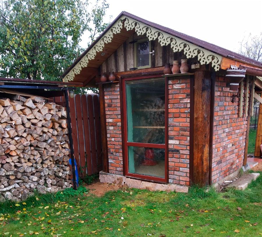 Участник проекта «Том Сойер Фест Кимры» построил дом из обломков старинных разрушенных зданий