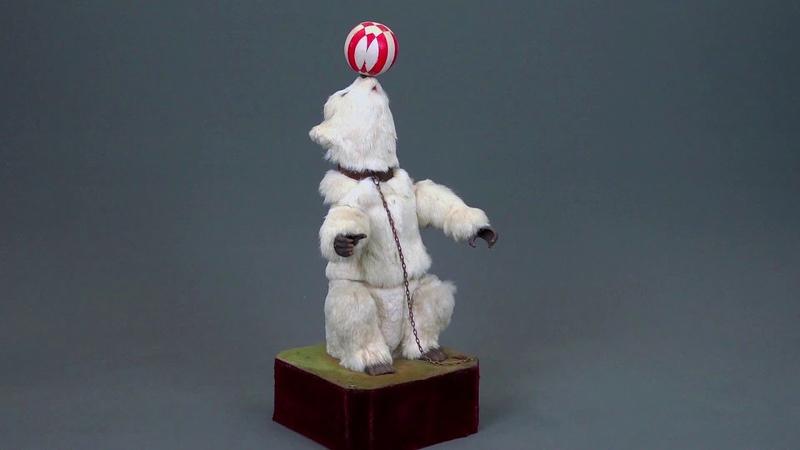 Автоматон музыкальный Белый медведь жонглёр Musical automaton Juggling polar bear