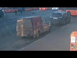 В Нижнем Новгороде автобус насмерть задавил женщину-водителя