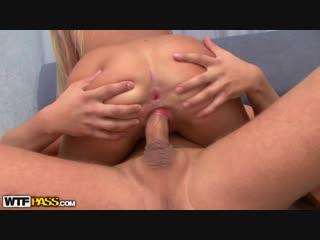 Поза наездницы (эксклюзивное платное порно лучшее домашнее сосет минет молодая красивая секс голая ебёт трахает секс)