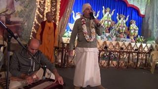 Вечерний танцевальный киртан (Е.М. Прабхавишну прабху). Садху Санга 2018 -